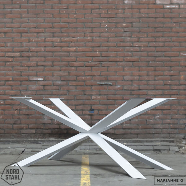Nordstahl Spider leg wit stalen tafelpoten