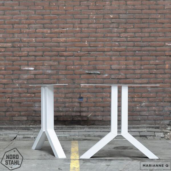 Nordstahl Split leg wit stalen tafelpoten
