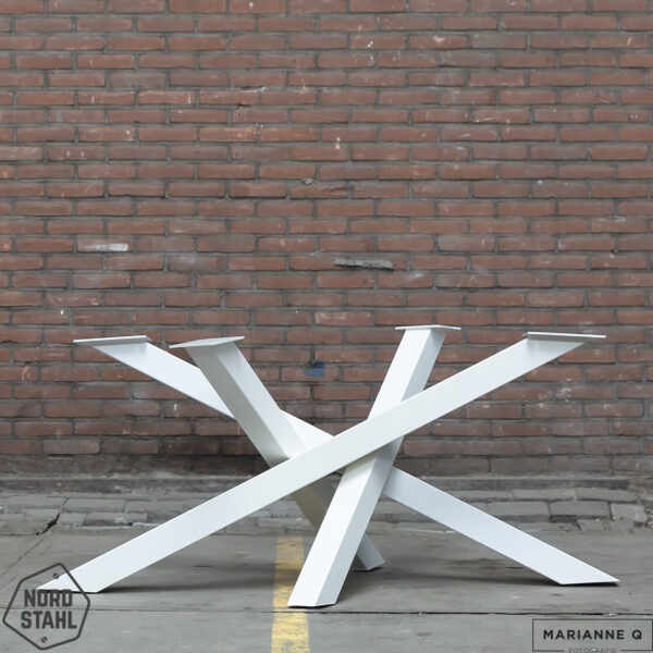 Nordstahl Twist leg wit stalen tafelpoten